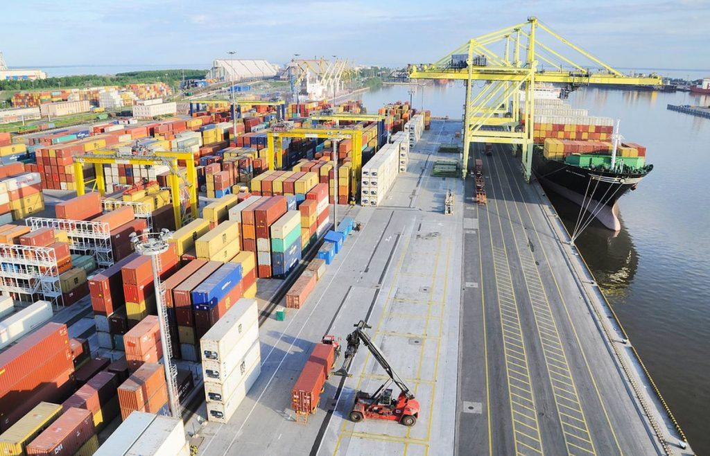 Морской порт Санкт-Петрербург