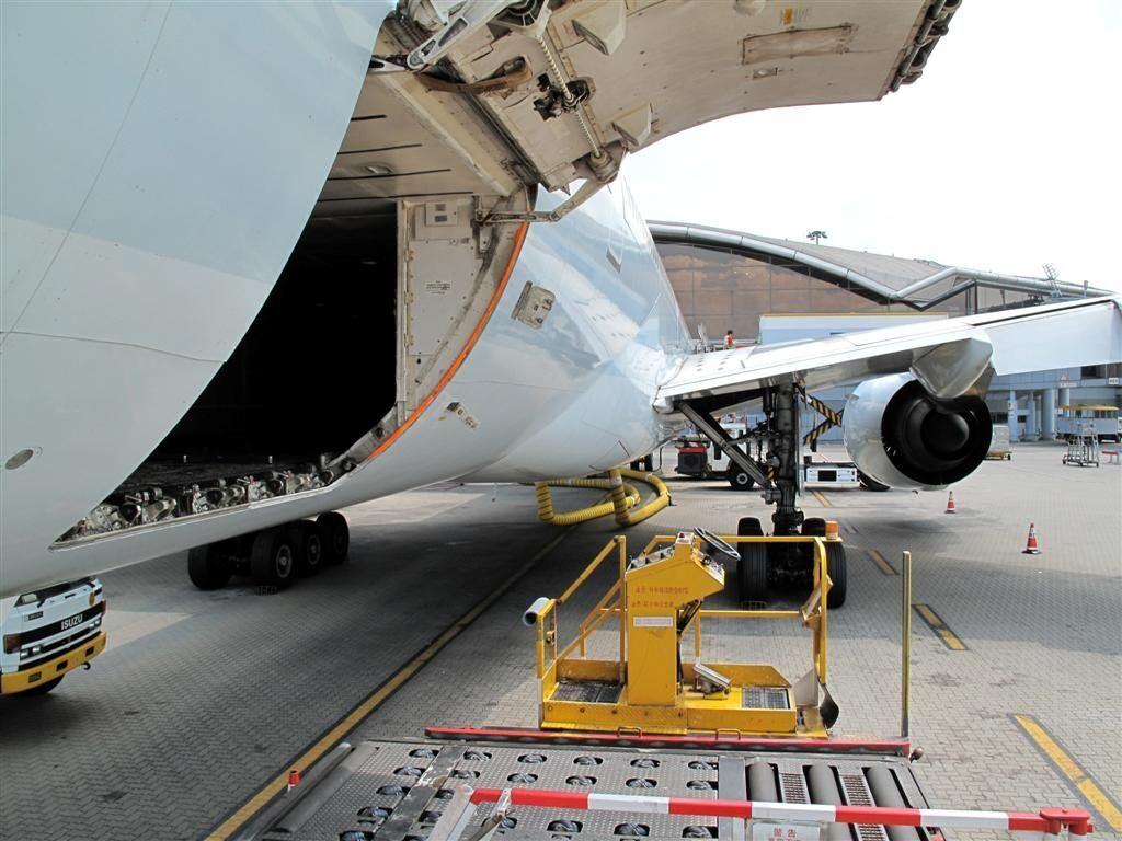 Самый большой по вместимости грузов пассажирский самолет